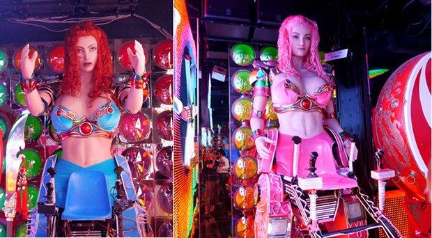 robot restaurant kabukicho shinjuku tokyo