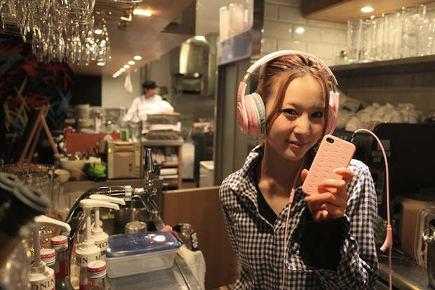 tokyo headphone girl designer japanese earphone
