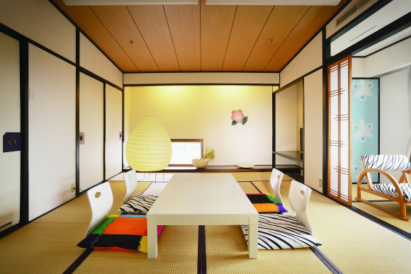 Dogo onsenart top japanese artists re design hotel rooms for Top design hotels tokyo