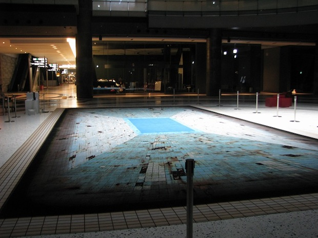 jeroen bisscheroux pool loss of color swimming osaka fukushima