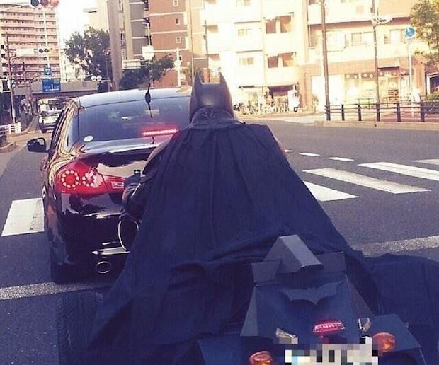 batman batpod chiba tokyo expressway highway cosplay driver japan