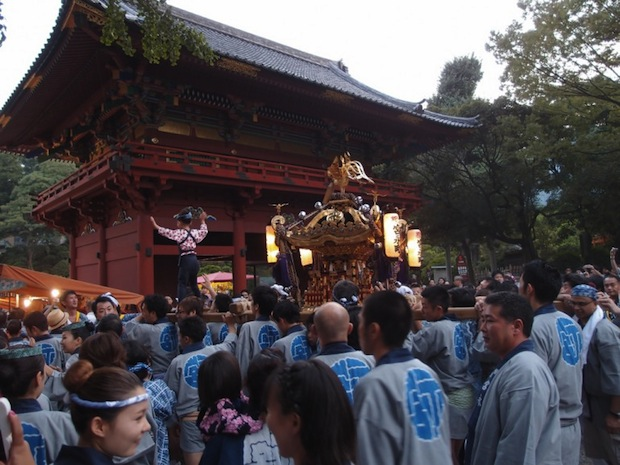 nezu shrine festival tokyo