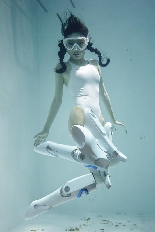 suichu niso underwater diving knee high socks girls shima risu yamaguchi manami model japanese photography book manabu koga
