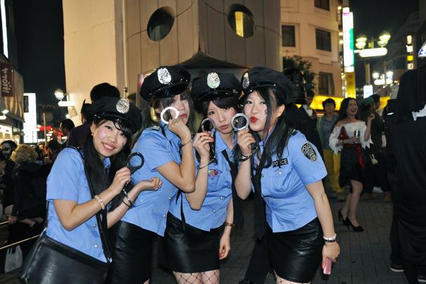 halloween costume cosplay shibuya tokyo october 31st 2014 girls in police uniforms