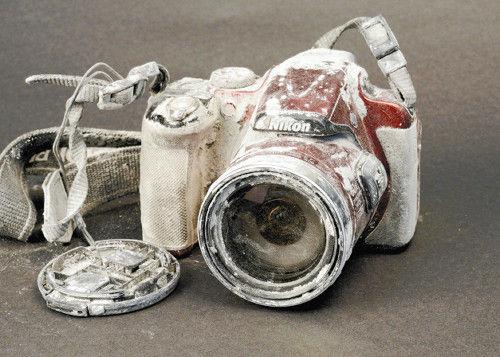 nikon camera restore repair mt ontake volcano hiker dead kazuo wakabayashi japan