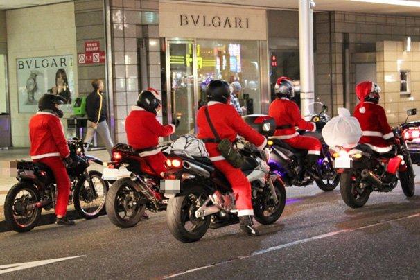 christmas eve japan tokyo shibuya santa cosplay motorbike
