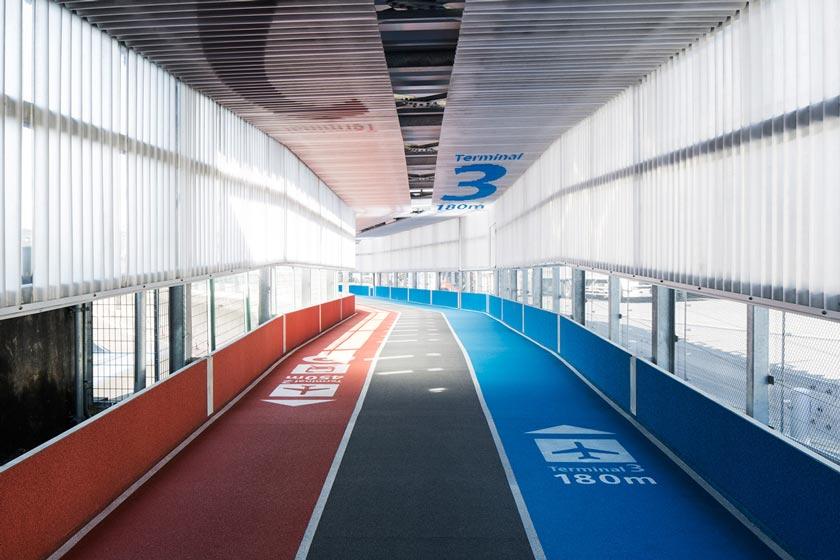 http://www.japantrends.com/japan-trends/wp-content/uploads/2015/04/narita-international-airport-terminal-3-running-track-design-muji-5.jpg