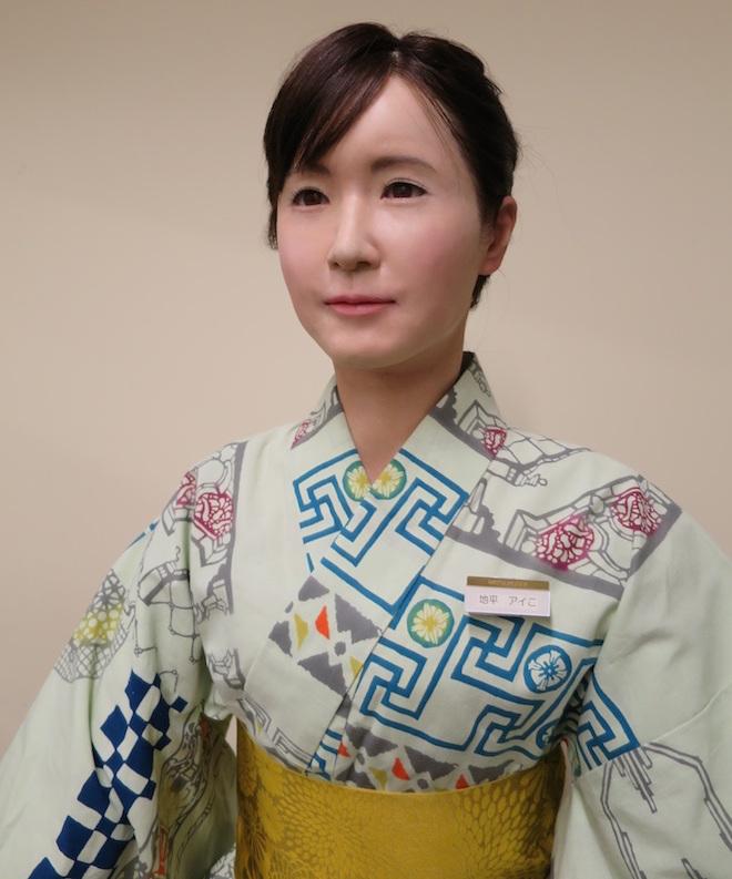 toshiba mitsukoshi aiko chihira android humanoid robot department store tokyo japan reception staff