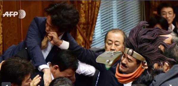 japanese security bills anpo sato masahisa brawl fistfight meme parody jojo bizarre adventure