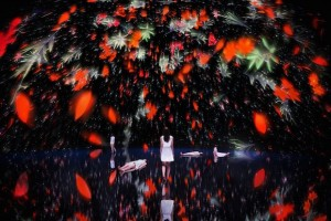 teamlab Floating in the Falling Universe of Flowers installation immersive