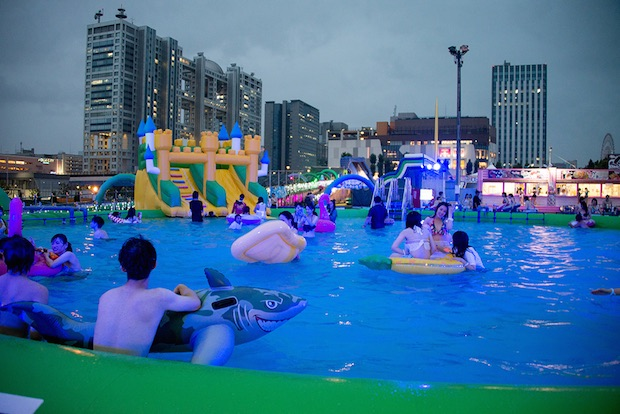 japan night pool party event popular tokyo