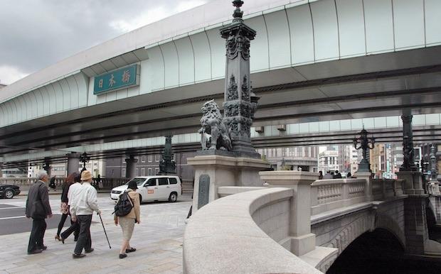 shuto expressway japan tokyo covers nihonbashi bridge eyesore architecture