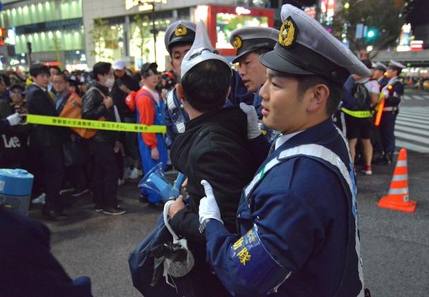 japan tokyo halloween shibuya arrest crime
