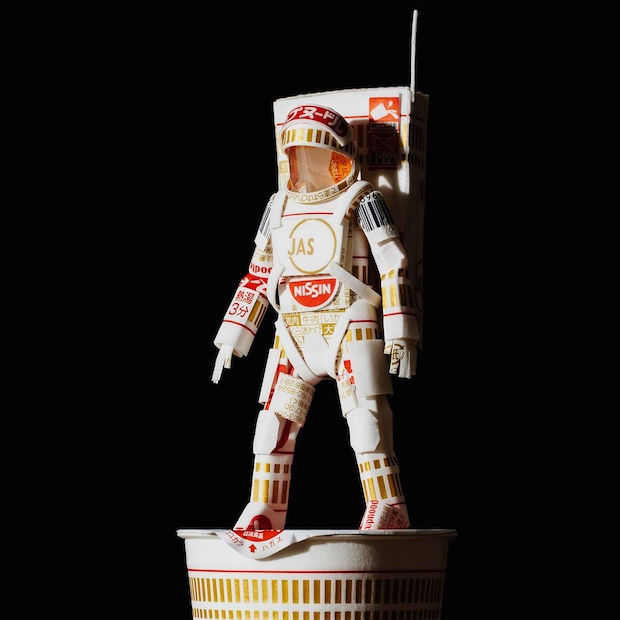 nissin cup noodle instant ramen astronaut model figure viral packaging diy craftsmanship japan